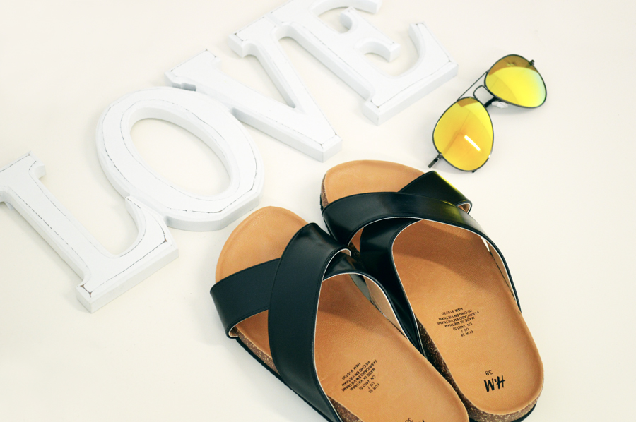 H&M SLIP ON SANDALS