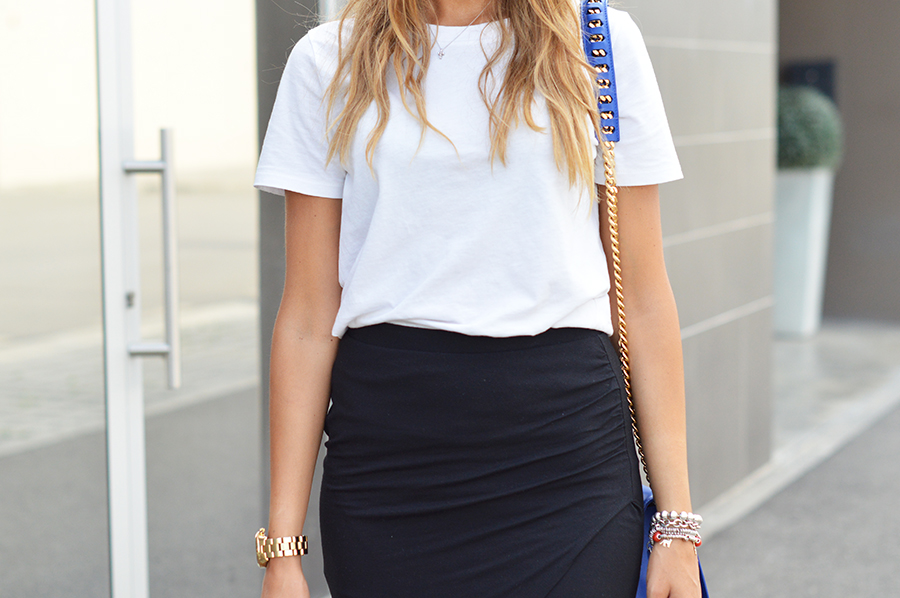 How to wear White t-shirt