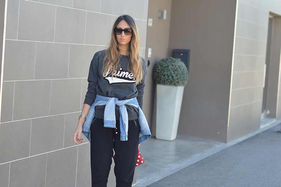 denim-jacket-black-pants-fashion-blogger