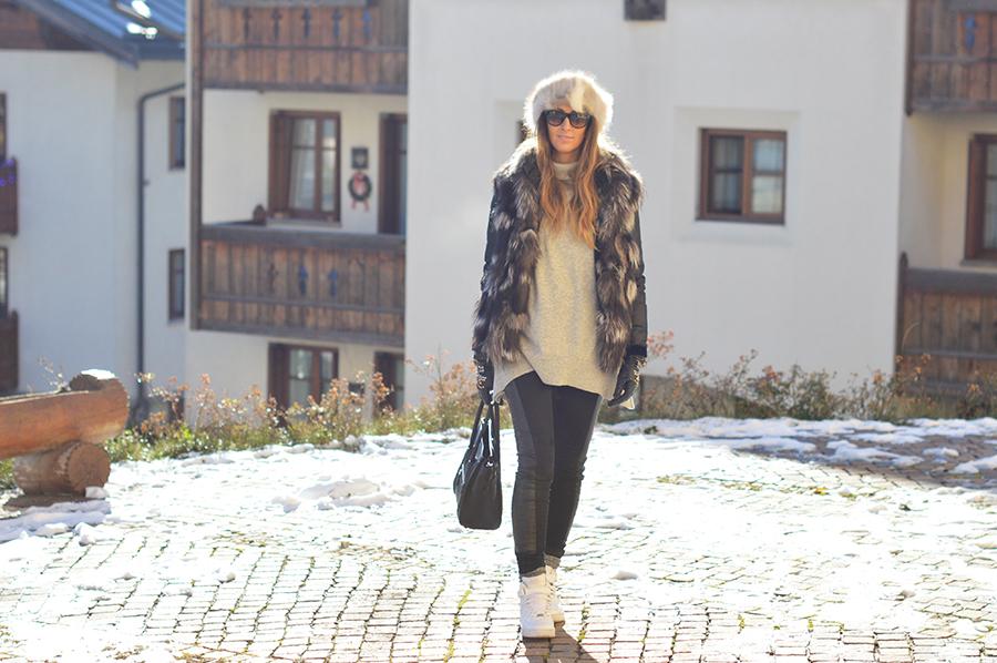 h-m-pants-fur-vest