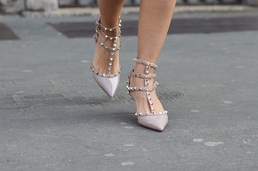 mfw-streetstyle-valentino-rockstud-heels