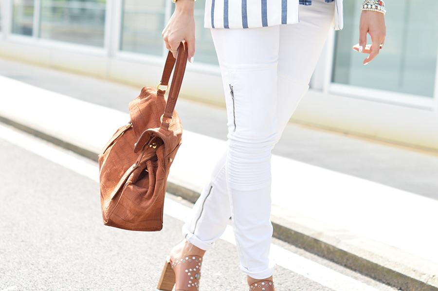 white-pants-outfit-idea
