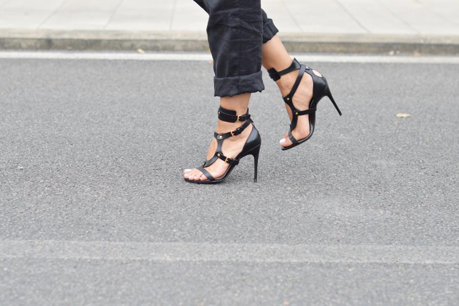 tom-ford-black-sandals