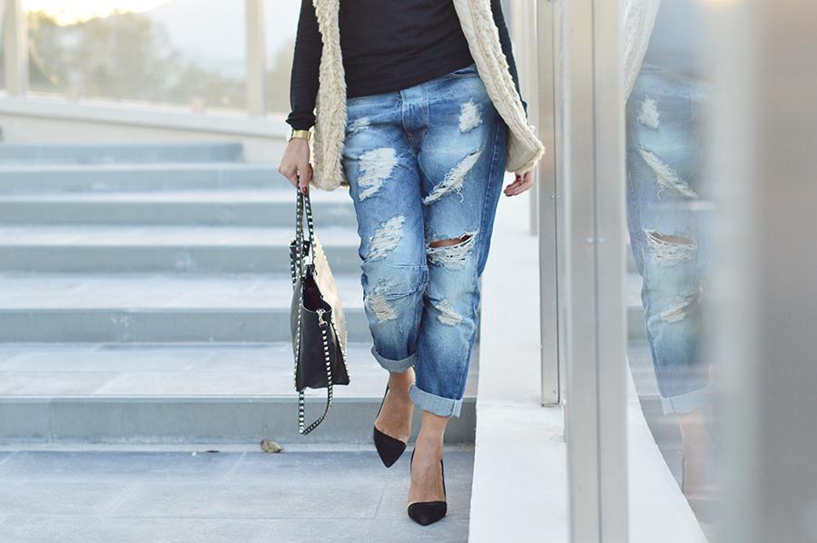 jeans-strappati