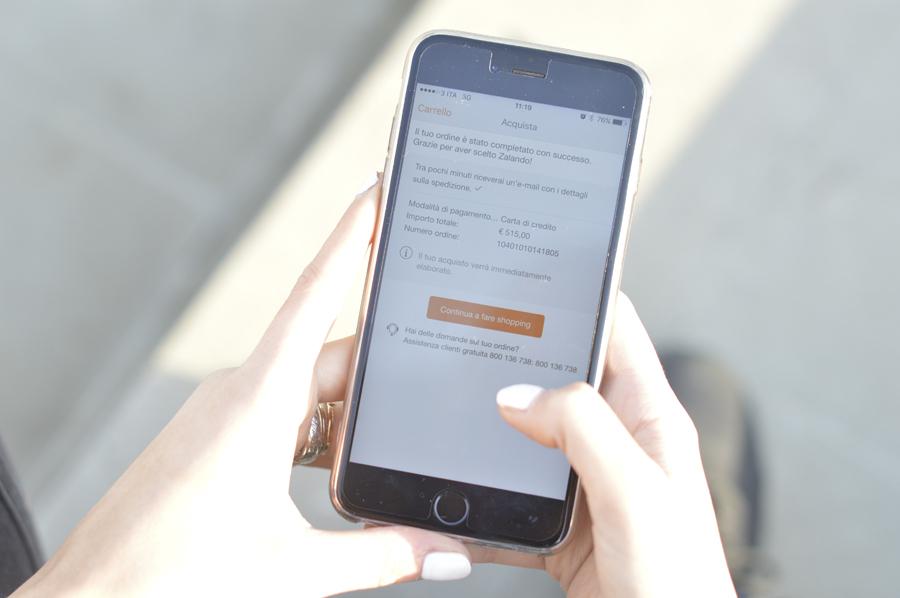 Zalando-Shopping-App-Mobile-Versace-Palazzo-Bag